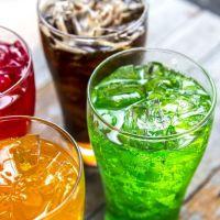 La ingesta de bebidas azucaradas se vincula a un mayor riesgo de enfermedad renal