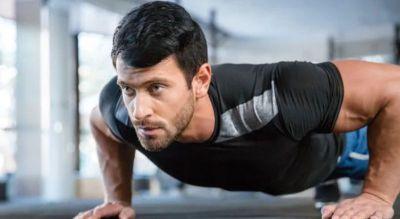 Riesgos cardiovasculares: 40 flexiones de brazos podrían disminuir la posibilidad de un ECV