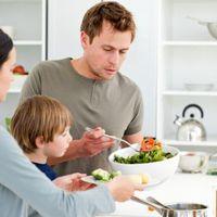En España, un estudio concluye que los niños de padres con niveles educativos altos, tienen menos obesidad