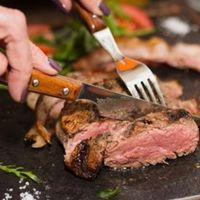 Un estudio asegura que sustituir la carne roja por proteínas saludables reduce el riesgo cardiovascular