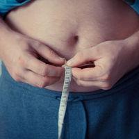 Cómo los ejercicios de fuerza podrían controlar la diabetes en individuos obesos