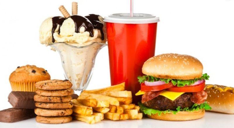 Una dieta rica en grasas y en bebidas endulzadas con fructosa favorecería el hígado graso