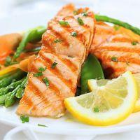 Inteligencia superior: qué beneficios incorporan a la salud los niños al comer pescado una vez por semana