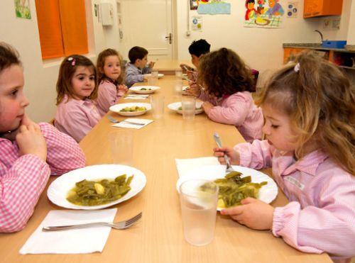 """España: """"Nuestros hijos deberían disfrutar en el comedor escolar, no odiarlo"""""""