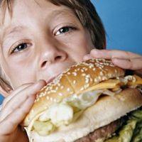 Cambio de hábitos: Chile, en guerra contra la comida chatarra y la obesidad