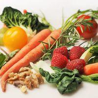 Las dietas ricas en frutas, verduras y cereales previenen la depresión en mayores