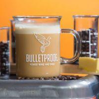La moda del bulletproof coffee y su promesa de mejorar el intelecto y el físico