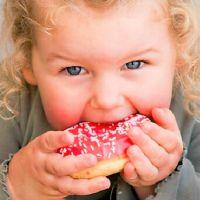 Un estudio explica por qué comemos más cuando atravesamos una crisis de angustia